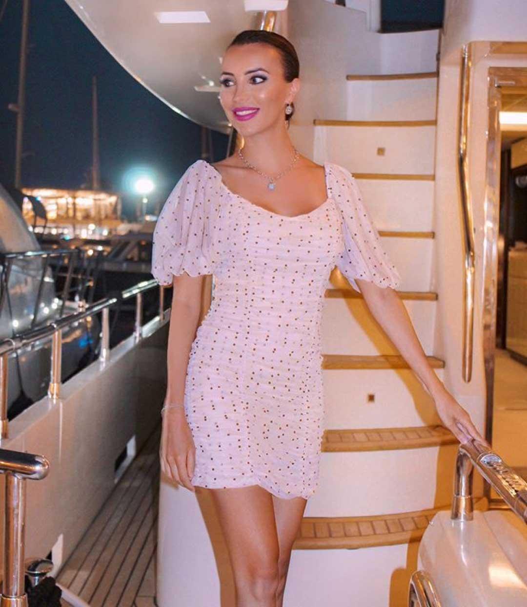 Look Julio201921 Deana Del Buttons 27 swarovski clKFJ1