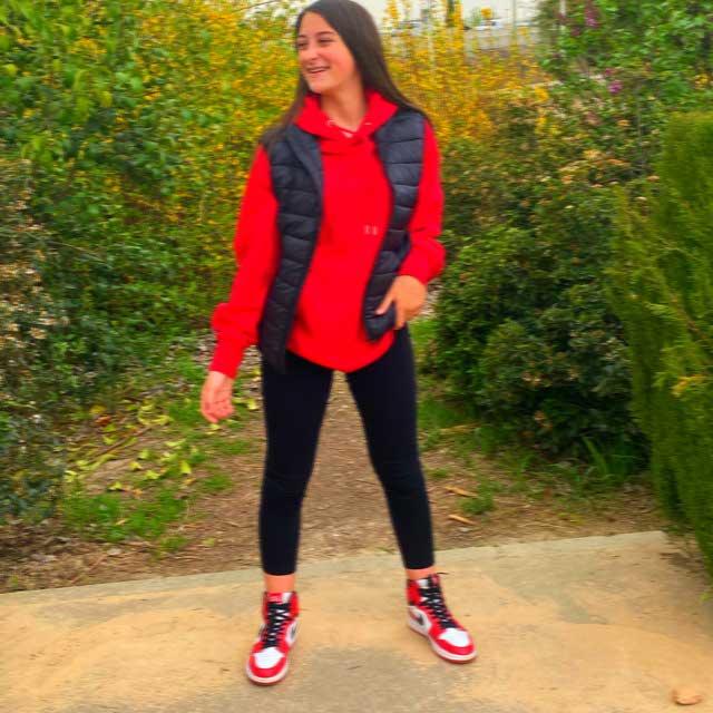 Look de @nataliaapalazon_ del 12 de Abril, de 2021 | 21 Buttons