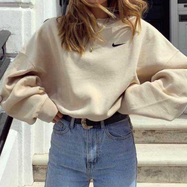 Look de @vintage.clothess del 30 de Septiembre, de 2020   21 Buttons