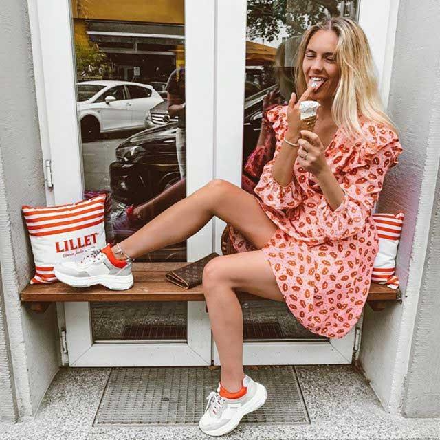 Look of @rominavioletta from 13 June, 2019 | 21 Buttons