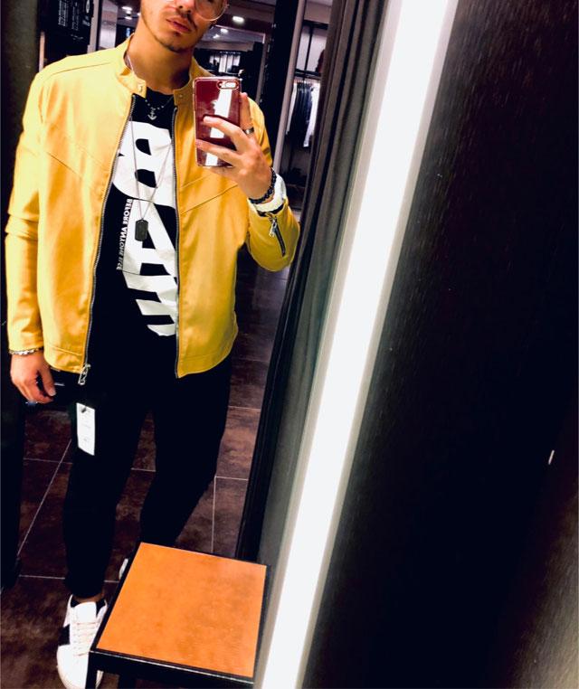 Look of @elviangabaj from 25 September, 2018 | 21 Buttons