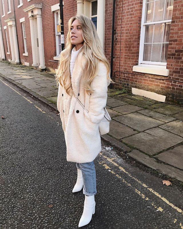 Look of @freyafarrington from 25 January, 2019   21 Buttons