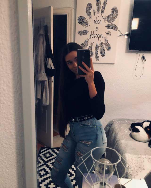 Look de @_ireneglzn del 5 de Diciembre, de 2019 | 21 Buttons