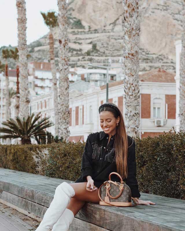 Look de @lauracasabela del 22 de Diciembre, de 2019 | 21 Buttons