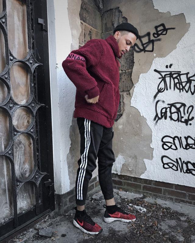 Adidas Originals – Graue Jogginghose Mit3 Streifen, Dh5802 from ASOS on 21 Buttons